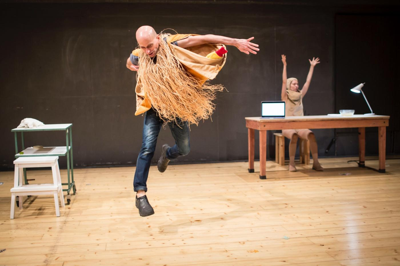 """""""Scarecrow"""" (2018) by Every house has a door, directed by Lin Hixson, performed at Alfred ve dvore Theatre, Prague, Czech Republic. Left to right: Matthew Goulish, Essi Kausalainen/Photo: Vojtech Brtnický."""