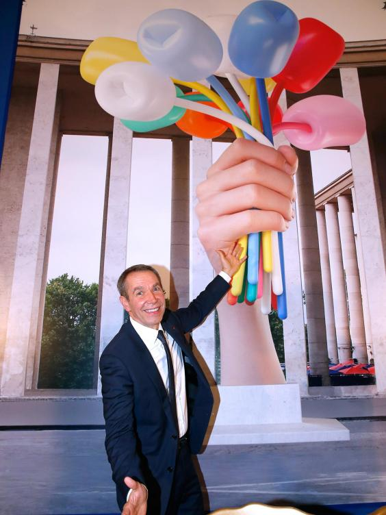 Jeff Koons with Tulips