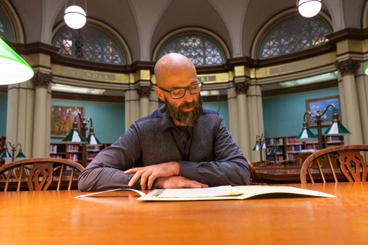 Nick Lowe reading in the Art Institute Library
