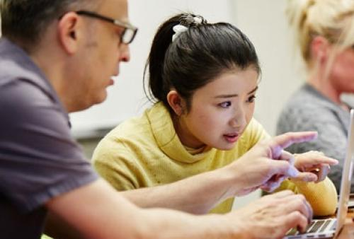 Faculty instructs student one-on-one