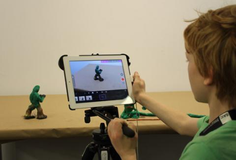 Student uses tablet and model to create animation