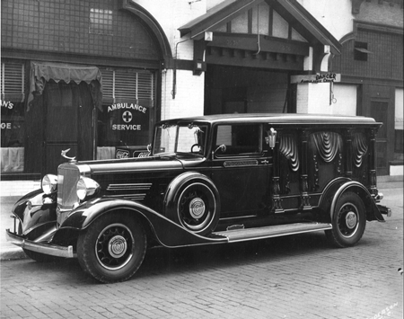 1935 Sayers & Scovill Olympian eight-column carved-panel hearse